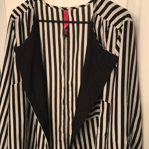 Pure Energy Tops - Black and white striped blouse